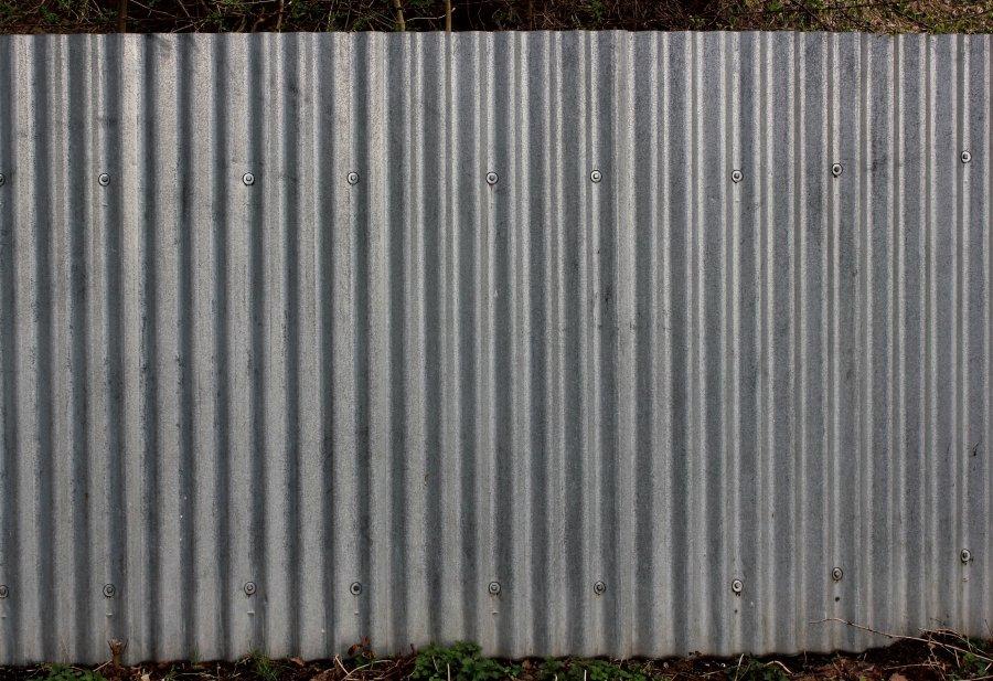 Vlnitý plech na plot
